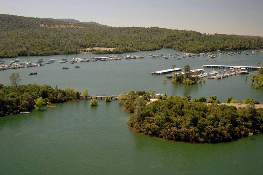 Lake Oroville Image by Paul Hames:California Department of Water Resources